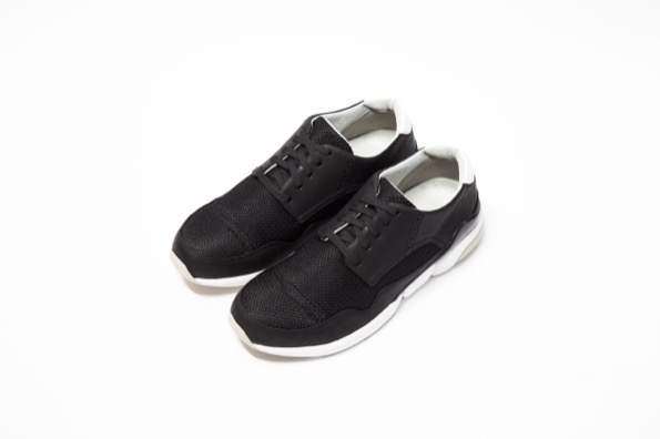 VALLIAN TRAINER - BLACK